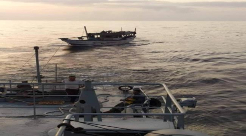عاجل.. قوات التحالف تنقذ سفينة يمنية تعرضت لخلل فني في بحر العرب