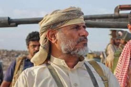 قيادي رفيع بحزب الإصلاح يتهم علي محسن بتدمير اليمن والعمل بنفس جشعة لمصالحه الشخصي