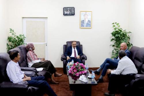 وزير النقل يلتقي الممثل المقيم لمكتب برنامج الأمم المتحدة الانمائي في اليمن