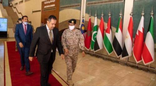معين رئيس الوزراء اليمني يجتمع مع قائد القوات المشتركة غداة تصعيد حوثي كبير في مارب وترتيبات العودة الى عدن