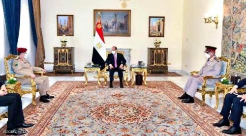 السيسي رئيس مصر يشدد على دعم بلاده للحل السياسي في اليمن
