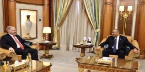 لقاء الرئيس الزبيدي بالسفير الأمريكي...